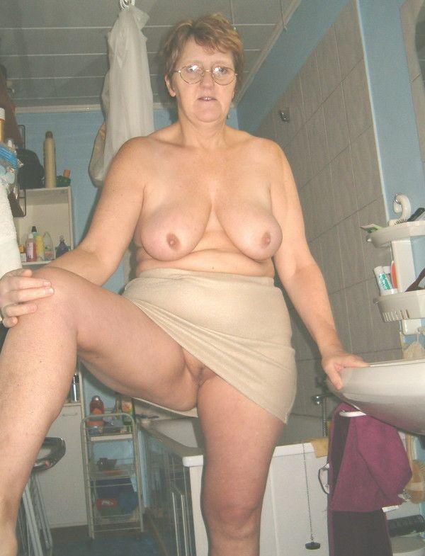 exhibe de Femme mature et sexy